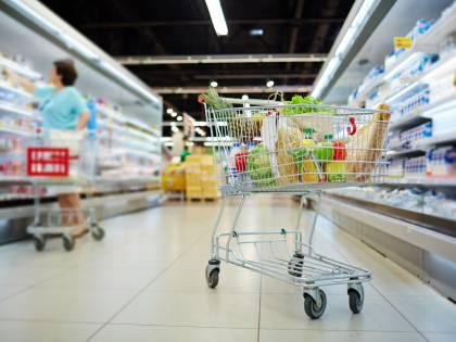 Scompare 10 anni fa, 25enne trovato morto in un supermercato