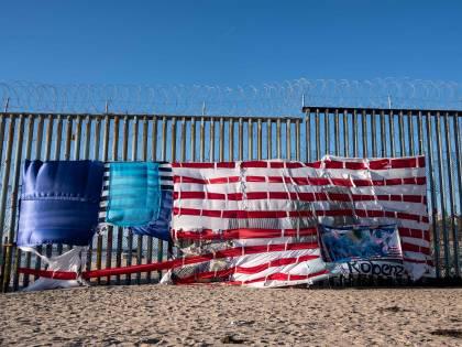 """Usa, Corte Suprema: """"Sì a restrizioni al diritto d'asilo dei migranti"""""""