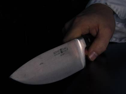 32enne accoltellato in strada: è gravissimo