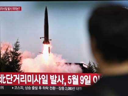 La Corea del Nord ha testato un lanciatore di razzi multipli super-pesanti