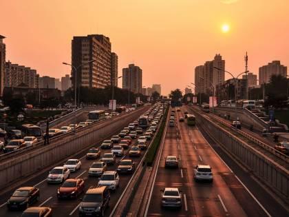 Incubo traffico a Roma, peggio nel mondo solo Bogotà