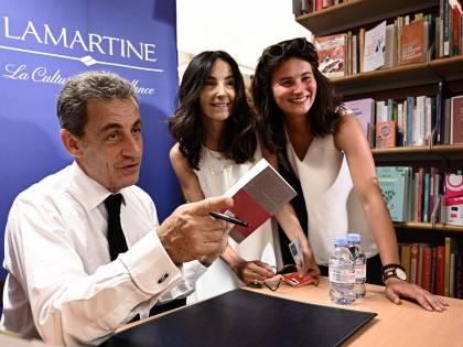"""Bufera su Sarkozy in tv: """"Si può dire ancora negri?"""""""