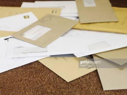 Due tonnellate di posta non spedite a Trapani