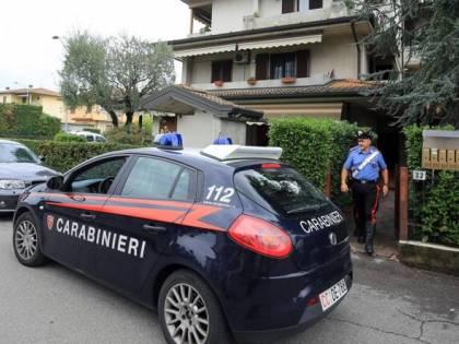 """Faenza, uccide moglie a martellate e scrive alla figlia: """"Mi uccido"""""""