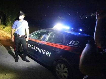 Ex pugile ubriaco manda ko un carabiniere con un pugno