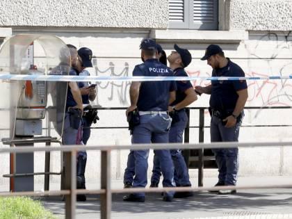 Milano, donna precipitata dal quarto piano: il corpo trovato davanti al Tribunale
