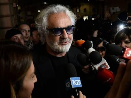 """Quell'appello di Briatore per salvare la Sardegna """"Ora riaprire discoteche"""""""
