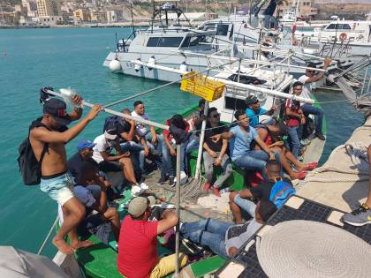 Sbarco 'fantasma' ad Agrigento. Ma stavolta i migranti vengono identificati