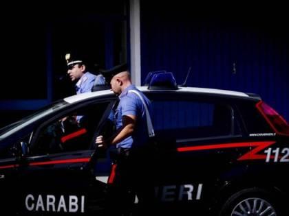 Bologna, romeno ubriaco molesta i passanti e ferisce i carabinieri