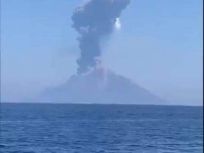 """Stromboli, l'allarme dell'Ingv: """"Rischio grande tsunami se collassa Sciara del Fuoco"""""""