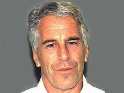 Il giallo delle videocamere rotte davanti alla cella di Epstein