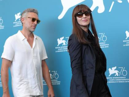 """La Bellucci e Cassel si ritrovano a Venezia: """"Mi piace molto Monica"""""""