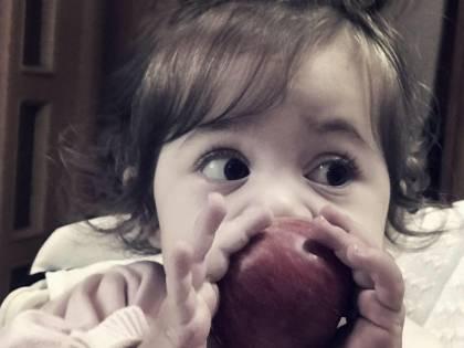 Rubati i soldi delle offerte per Jo, la bambina con malattia rara