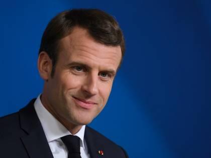 La riforma scolastica di Macron: bandiera nazionale e Marsigliese