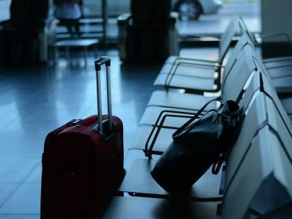 Nasconde neonato nella valigia: arrestata in aeroporto