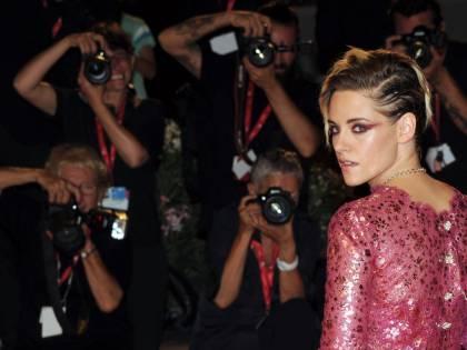 """Kristen Stewart contro Hollywood: """"Mi hanno dato della sgualdrina, è un'industria fondata sulla paura"""""""