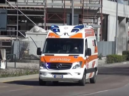 Bolzano, operatore aggredito da 5 stranieri mentre pulisce le strade