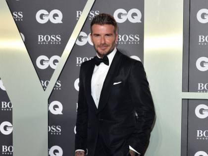 David Beckham è calvo. Dove sono finiti i suoi capelli?