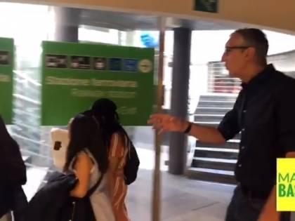 Milano, consigliere Lega insegue la ladra nomade in metropolitana