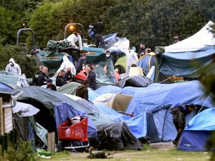 Francia, pugno duro di Macron: sgomberati 1600 immigrati