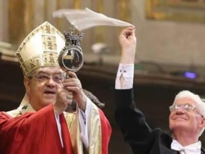 Si ripete il prodigio di San Gennaro: sciolto il sangue nelle ampolle