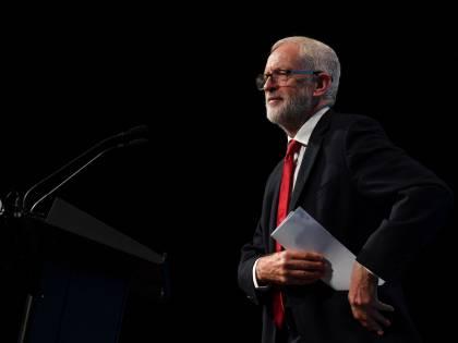 Corbyn escluso dal gruppo parlamentare del Labour