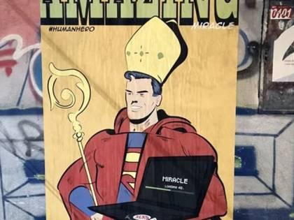Rubato a Napoli il dipinto che ritrae San Gennaro in versione Superman