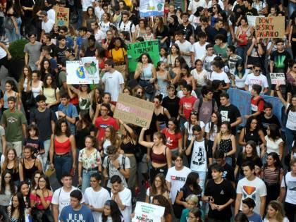 """Palermo, tensioni al corteo di """"Friday for Future"""""""