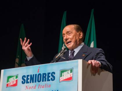"""Berlusconi: """"L'ossigeno serve ora, non al paziente morto"""""""