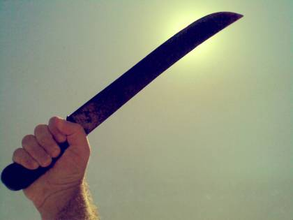 Immigrato ha un diverbio Usa machete per colpire due ragazzi a Roma