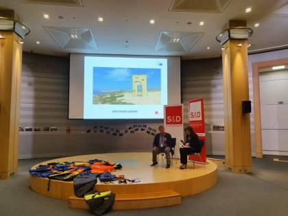 """L'ex sindaco di Lampedusa: """"Fermate le stragi del mare"""""""