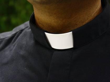 Cantano Bella Ciao sul sagrato: la vendetta del prete