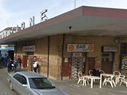 Marocchini vogliono bere gratis: barista preso a sprangate