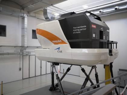 Malpensa, easyJet apre il centro addestramento piloti con tre simulatori di volo