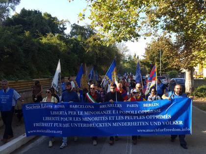 In marcia per la libertà dei popoli oppressi e delle minoranze