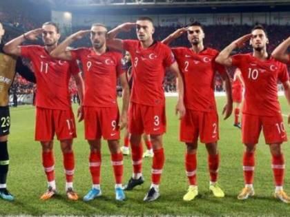 """Turchia e il saluto militare dei calciatori. La Uefa: """"Gesto provocatorio, indagheremo"""""""