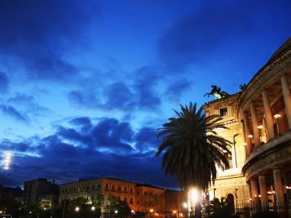 Palermo, morta una 46enne fuori da un locale: si indaga