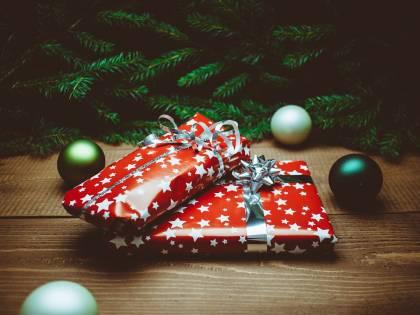 Acquisti sicuri sul web a Natale, il decalogo della polizia postale