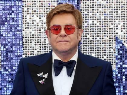 """""""Ho salvato Donatella Versace dalla droga"""".  Le rivelazioni di Elton John"""