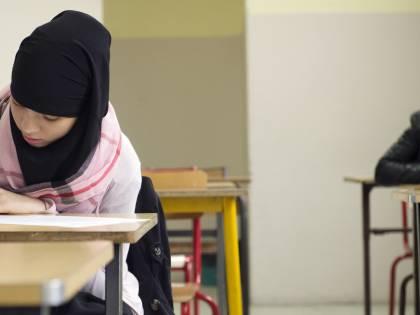 """Stretta dell'Austria sull'Islam: """"14enni a scuola senza il velo"""""""