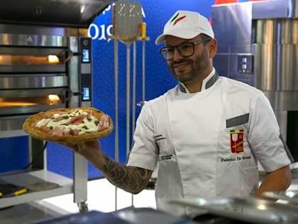 Pizza d'autore, Host incorona il campione europeo, Andy Luotto chef ai fornelli con simpatia