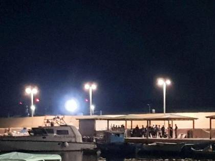 A Lampedusa si continua a sbarcare