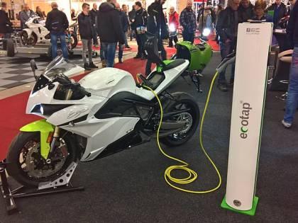 """Due ruote, una rivoluzione elettrica """"in moto"""""""