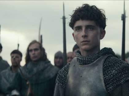 Il Re: arriva su Netflix il film con Timothée Chalamet e Robert Pattinson