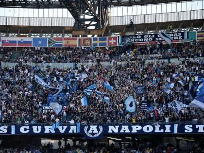 Raffiche di Daspo e sanzioni allo stadio San Paolo