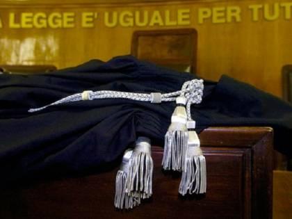 """""""Soffiate in cambio del posto per gommone"""" Terremoto alla Giustizia"""