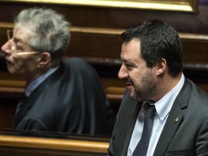 Bossi torna a ruggire contro Salvini: Settentrione barattato con i voti del Sud