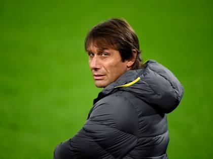 Inter, Conte nervoso: i mancati arrivi di Vidal e Dzeko lo hanno indispettito