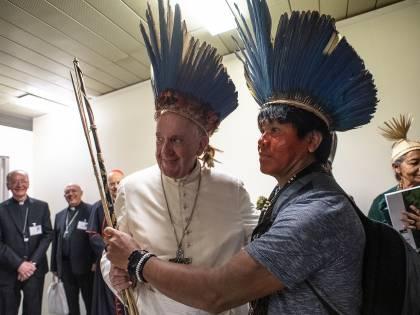 """I tradizionalisti accusano il Papa: """"Ha compiuto atti sacrileghi"""""""