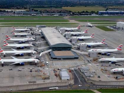 Gran Bretagna, arrestato all'aeroporto un presunto miliziano dell'Isis